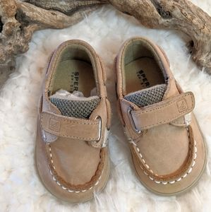 Sperry Bluefish hook and loop boat shoe size 2M